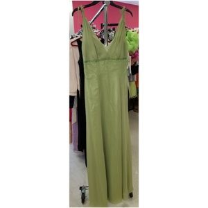 Size 8 green formal dress nwt